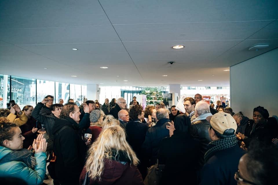 Ruim 1.000 handtekeningen tegen dreigende sluiting BuurtWerkKamer De Klop in Utrecht Overvecht