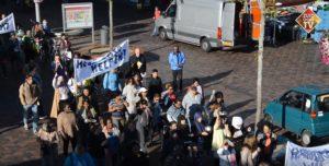 Deelnemers van BuurtWerkKamers Amsterdam gaan petitie aanbieden tegen sluiting